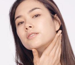 排去肌膚多餘水份,促進循環代謝,使肌膚恢復健康光澤,維持年輕緊緻。